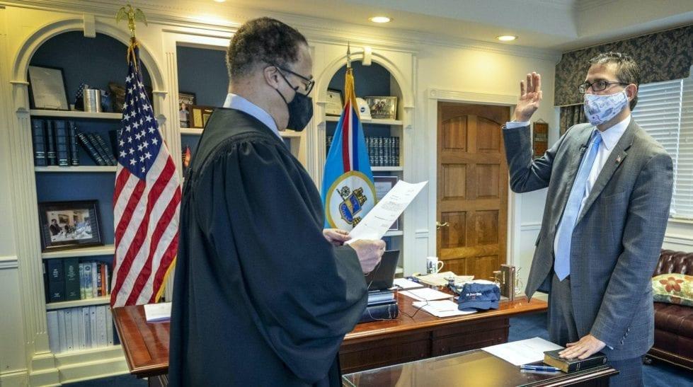 Matt Meyer being sworn in
